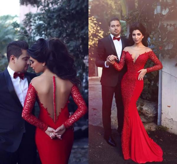 Elegante Vestidos Rojos Árabes Noche Vestido formal 2019 Manga larga Encaje Sirena Vestido de fiesta Ilusión Joya Cuello apliques Vestido de compromiso sexy