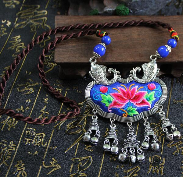 National style jewelry embroidery fashion Miao silver embroidery necklace sweater chain female long Yunnan wind vintage necklace
