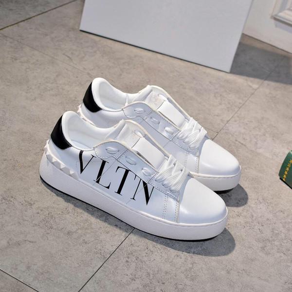 Con la scatola cuoio genuino degli uomini Designer Shoes di lusso delle donne degli uomini Iridescent Triple Black Silver Snake Tail pelle moda scarpe da tennis heng