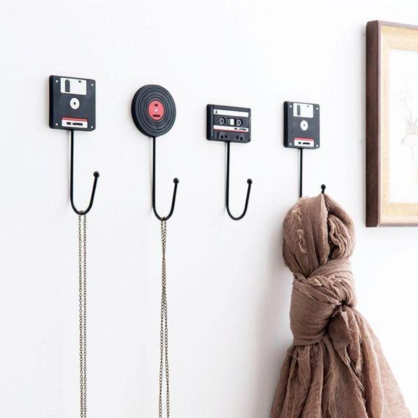 Minimalist Home Decoration Retro Tape Disk Hanger Decorative Hooks Clerk On The Wall Coat Key Holder Rack Housekeeper A20 C19021301