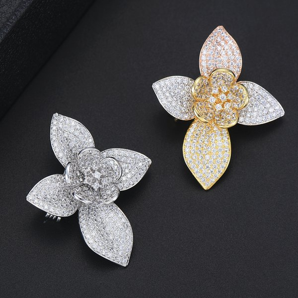 Beautiful Natural Shell Flower Brooches For Women Suit Sweater Scarf Collar Pink White Large Brooch Pins Gifts High Quality