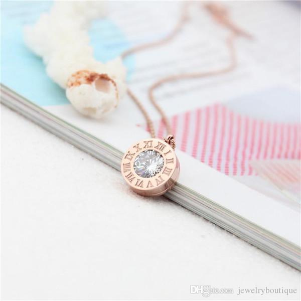 Фирменное наименование 316L титановая сталь женщин элегантный дизайн ожерелье кулон с бриллиантом римский номер марки ювелирных изделий для женщин и девочек PS5036