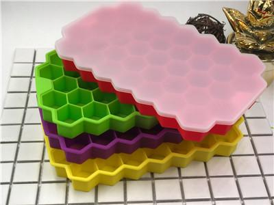 Ice Cube Trays with Lids Food Grade Silica Gel Flexible 37 Ice Trays with Spill-Resistant Removable Lid,BPA Free Ice Cube Molds for Whiskey