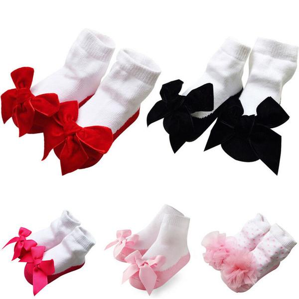 Cute Baby Neonato Lace Ruffle Socks Culla neonato caldo Tutu Shoes Socks Ragazze Boys Lace antiscivolo Ruffles Cartoon