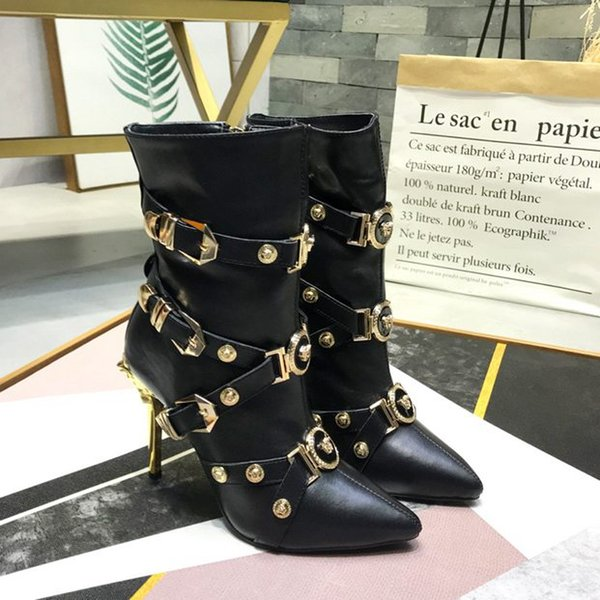 concepteur de la marque de luxe internationale dames luxe nouvelles bottines à talons hauts sexy mode bottes plates 35-41 verges de gros