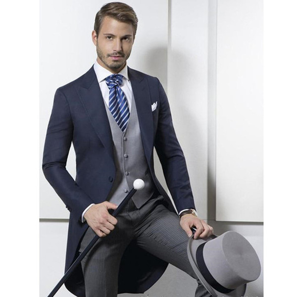 2018 Custom Made Classic Design Navy Blue Tailcoat Groom Tuxedos Men's Wedding suit Prom Clothing Men Suits (Jacket+Pants+Vest) Marriage