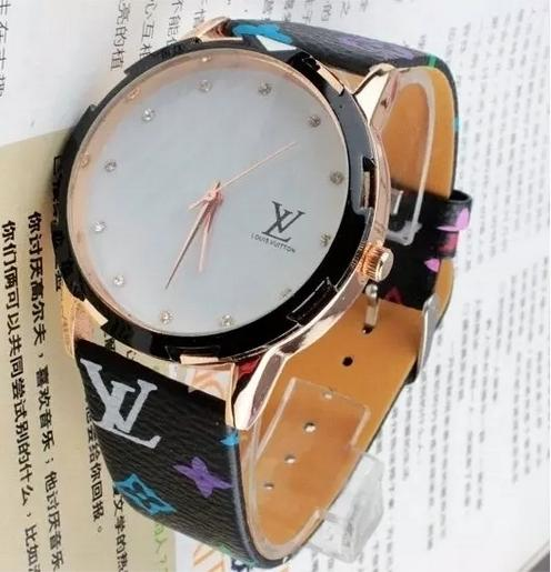 best selling High quality fashion Louis men women watch watches 11