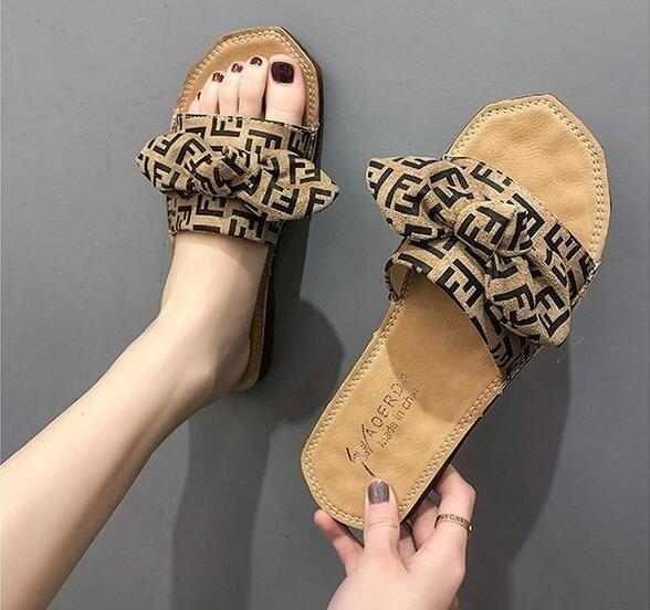 New Fashion Women flats casual sandals Leather beach shoes Ladies flip-flops slippers Good quality woman Peep Toe sandals