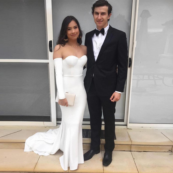 White Off the Shoulder Mermaid Evening Gowns with Long Sleeve Satin Sweep Train Zipper Prom Party Gown Plus Size Evening Dress