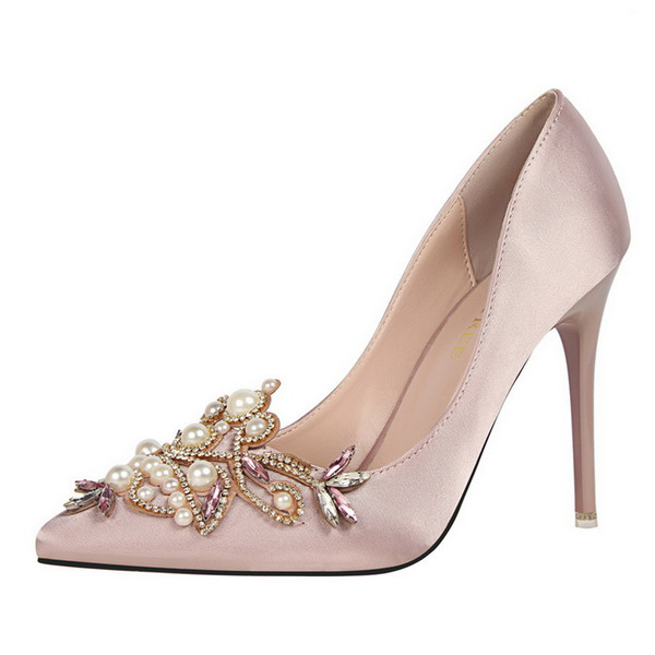 10cm New Beautiful Lady Dress Shoes Pearls Rhinestone Design Pointed Toe Thin High Heels Satin Sexy Party Festival Wedding Shoes Women Pumps