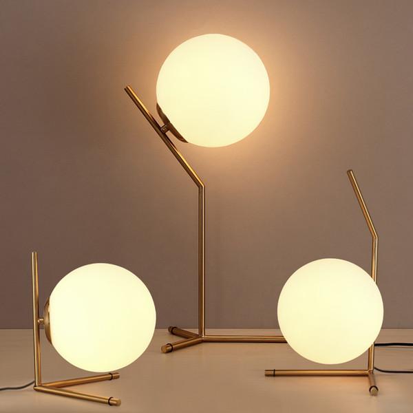 Lampe de table à LED nordique Lait blanc, boule de verre, hôtel moderne, lampe de bureau, bureau d'étude de chevet