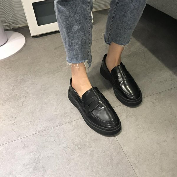 Britische Art-beiläufige Frauen-Plattform-Schuhe Oxfords Ebenen der Frauen All-Match Runde Toe Creepers Shallow Mouth Preppy-Leder-Kleid