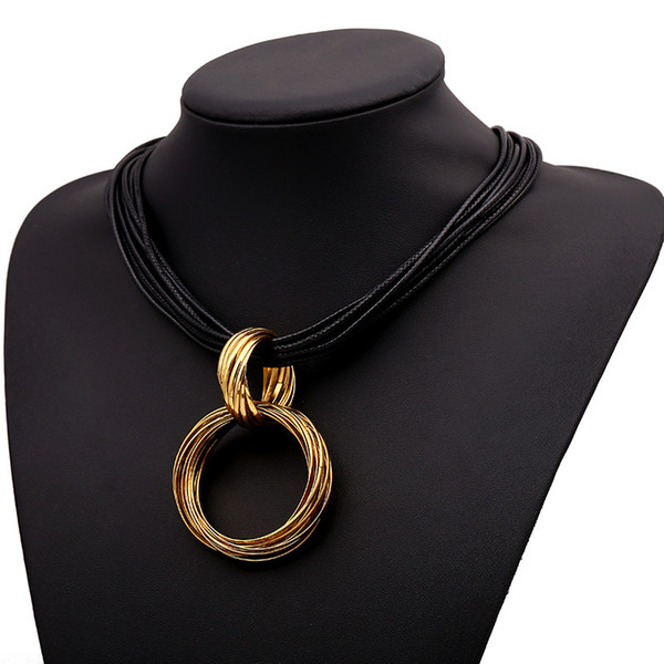 Korean fashion small jewelry bohemia style circle high-end female pendant necklace short clavicle chain for gift