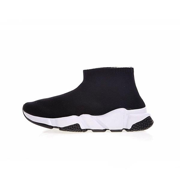 Zapatos de diseño Zapatillas de entrenamiento de velocidad Zapatos casuales Triple Negro Blanco Calcetines planos de moda Botas Hombres Mujeres Zapatillas de deporte 3YW