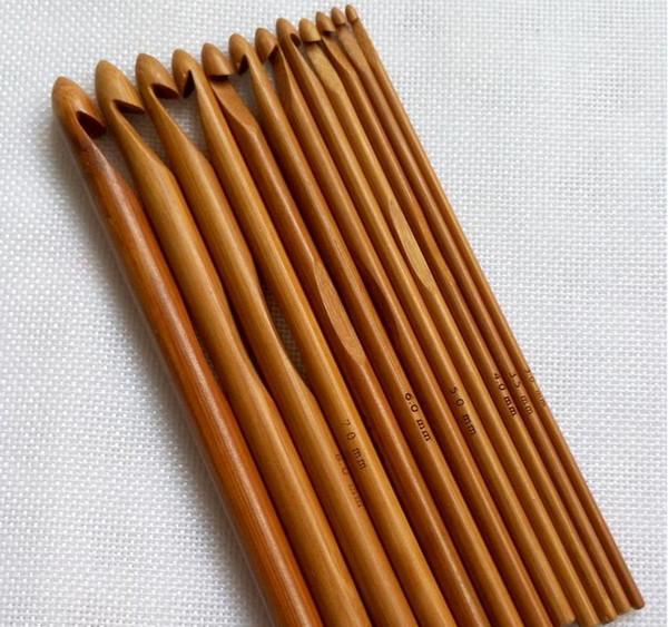 top popular 12pcs set Sweater knitting Circular Bamboo Handle Crochet Hooks Smooth Weave Craft Needle 12 Size SN512 2021