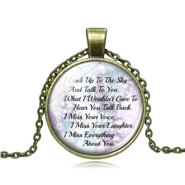 En el collar de memoria de amor, en recuerdo de un ser querido, te extrañamos Imagen Colgante de collar de cadena hecho a mano