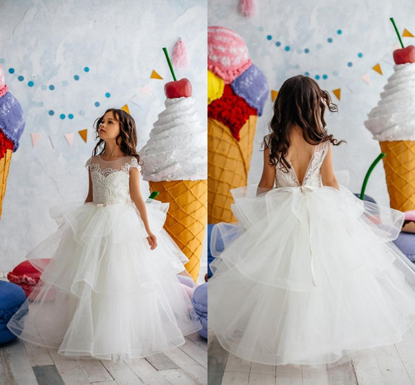 best selling Cute White Lace Appliqued Flower Girl Dress Short Sleeves First Communication Dress Long Girl Birthday Formal Party Wedding Gown