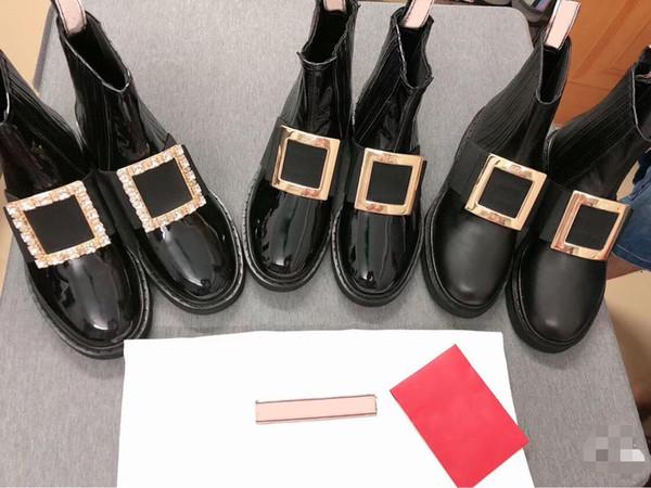 Yeni Kadın Deri Ayak Bileği Çizmeler Tasarımcı Metal Kristal Toka Kadın Çizmeler Siyah Slip-On Yüksek Üst Düz Çizmeler Lüks Rugan Ayakkabı v9