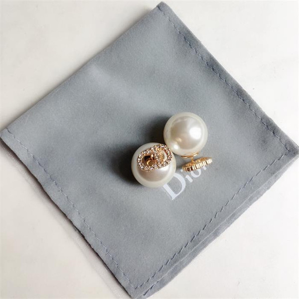 Stud earrings1