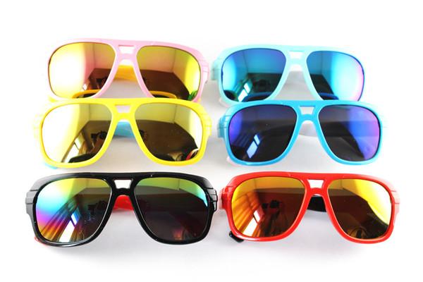 Nuovi occhiali da sole all'aperto degli occhiali degli occhiali da sole protettivi UV della ragazza del ragazzo della ragazza del ragazzo degli occhiali da sole dei bambini degli occhiali da sole di nuovi di modo DHLEMS TRASPORTO