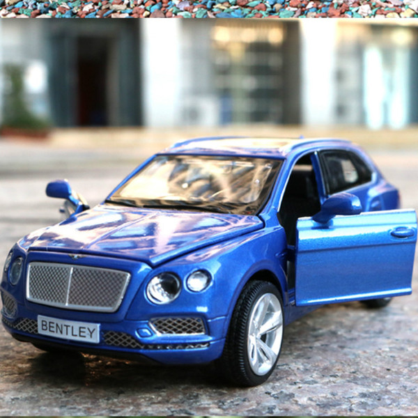 1:32 Die Cast Model Cars Electric Flashing Pull back automobile Alloy Vehicle gld3 Coche Children Toys Bentayga SUV