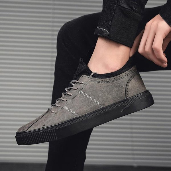 Diseñador de sexo masculino cuero de los hombres zapatos de moda de alta calidad Entrenadores gruesos de marca zapatillas de deporte casuales para hombre 2019 Nueva Holgazanes LeatherL26