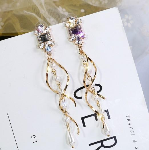 Fashionable long exaggerated individual character helix willow wraps long string of pearl crystal tassel type lady ear pendant