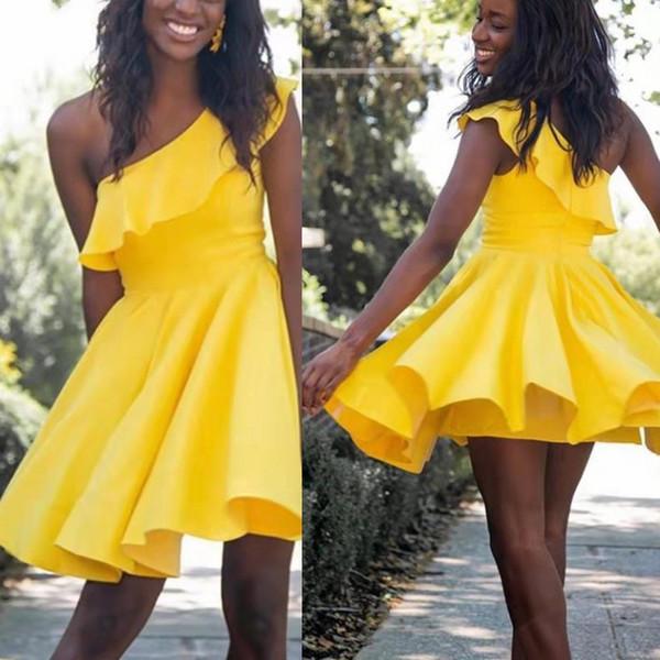 Compre Vestidos De Fiesta Amarillos Corto Satén Una Línea Un Hombro Vestidos De Fiesta Cortos Baratos Lindos Simples Para Vestidos De Fiesta De