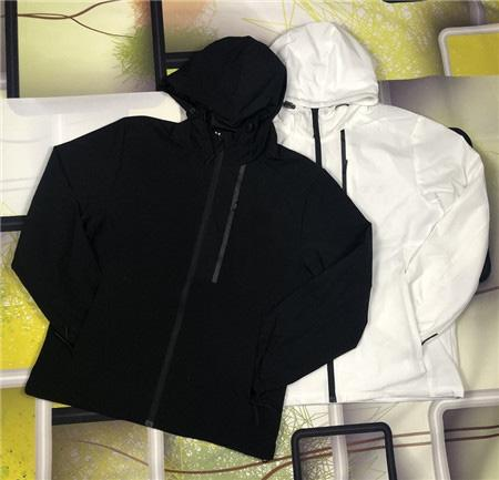 Brand High Quality Long Sleeve 2019 New Designer Mens Fashion Loose Windbreaker and Natural Colors for Sport Coats with Size M-4XL 15039831