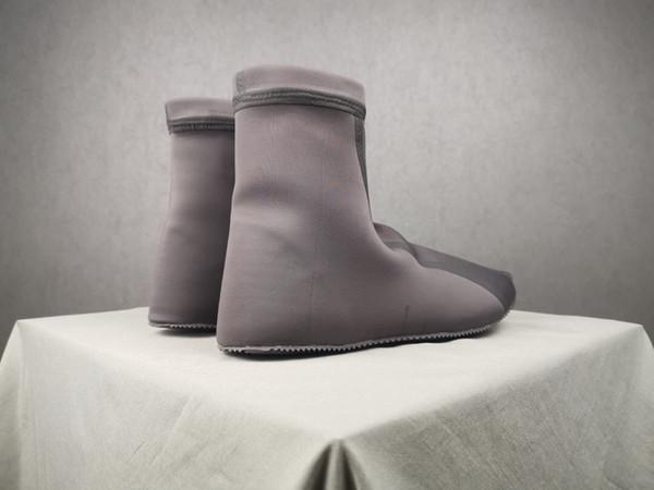 Beste Qualität Geschwindigkeit Trainer Designer Turnschuhe Männer Frauen GRAU Freizeitschuhe Mode Socken Sneaker Top Scuba Stiefel Größe 40-46