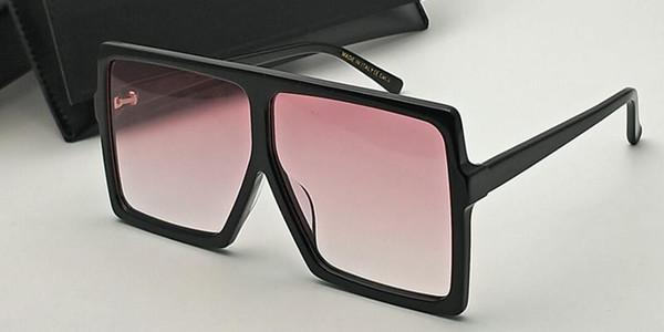 Черный розовый объектив