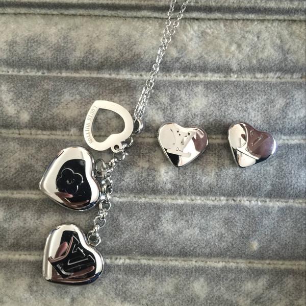 En kaliteli fabrika toptan ünlü marka Titanyum çelik deluxe düğün takı seti Kadınlar Charm kalp aşk mektubu A B C M küpe kolye