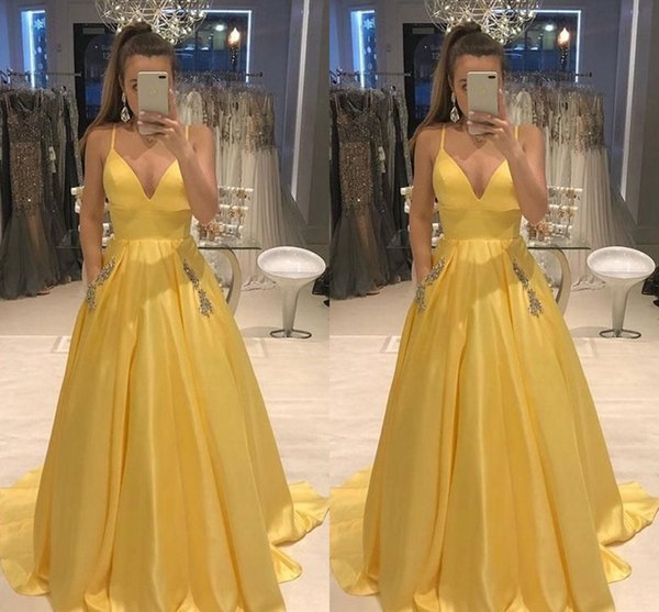 2019 Fashion Yellow Prom Dress Evening Gowns With Pockets Beaded Crystal Spaghetti V-neck Formal Dress Robes De Cocktail vestido de novia