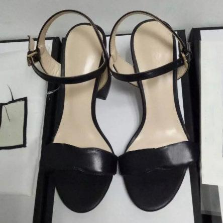 Logo originale di vendita caldo Europeanluxurioustyles sandalo Lady Summer Gold argento ha abbellito ala sandalo dell'alto tallone di marca gabbia dorata Sandal51
