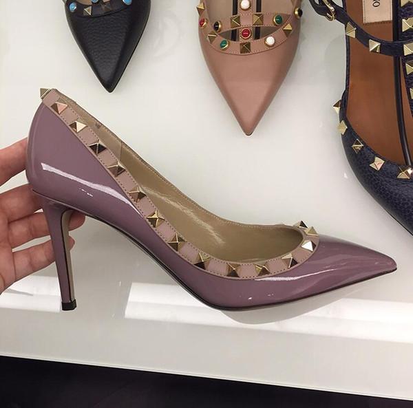 brillante de color púrpura claro