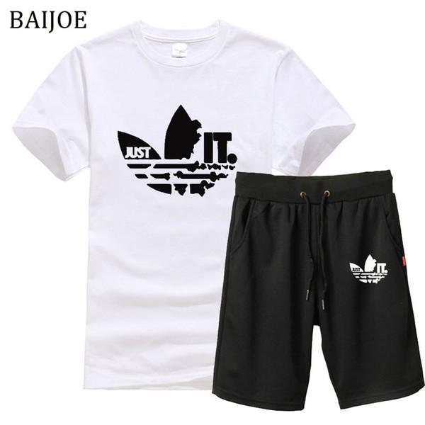 2019 novos homens de Verão T camisas + Shorts 2 peças O pescoço Dos Homens de manga Curta T Shirt Dos Homens de Moda tamanho Europeu Tshirts Casual Para