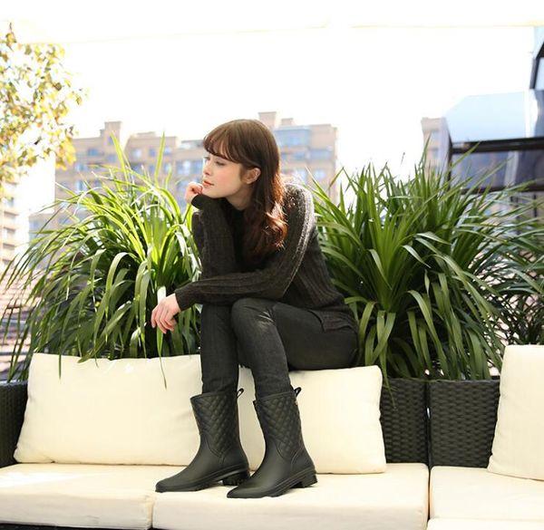 4e4e383366e Mulheres Botas de Chuva Sapatos Impermeáveis Unisex Ao Ar Livre Jardim Casa  Cozinha Senhora