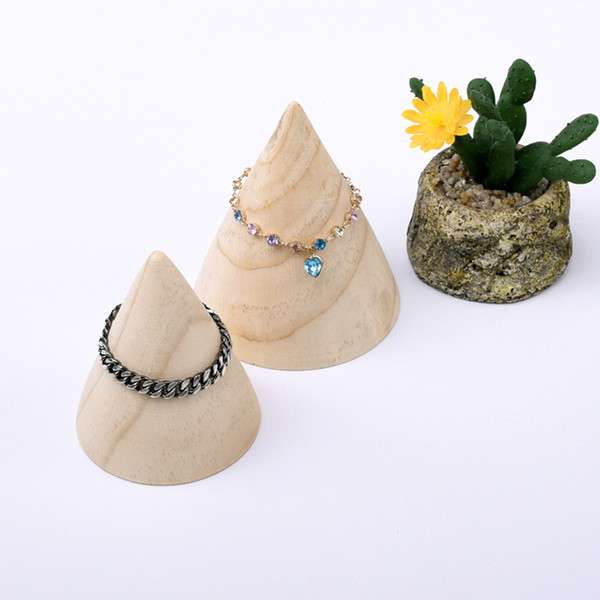 [DDisplay]Creative Cone Bracelet Jewelry Display Solid Wood Personalized Bangle Display Holder Pine Wooden Pendant Display Stand