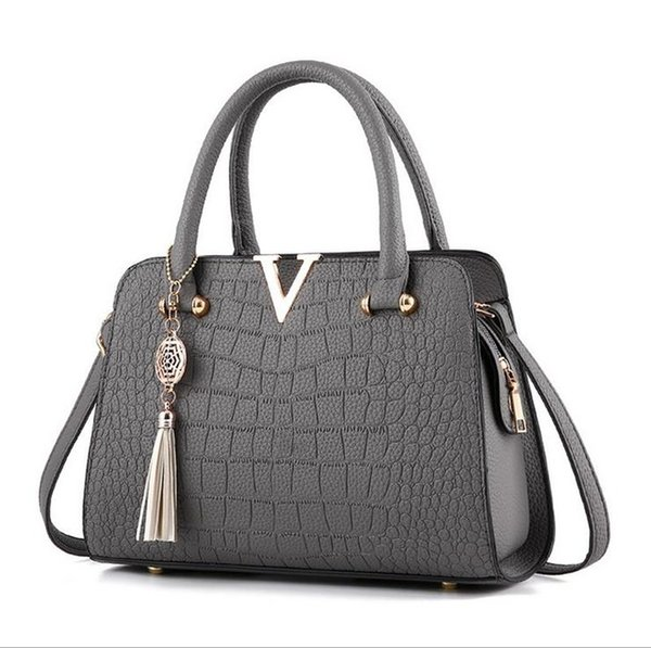 womans fashion Crocodile leather V letters Designer Handbags Luxury quality Lady Shoulder Crossbody Bags fringed Messenger Bag