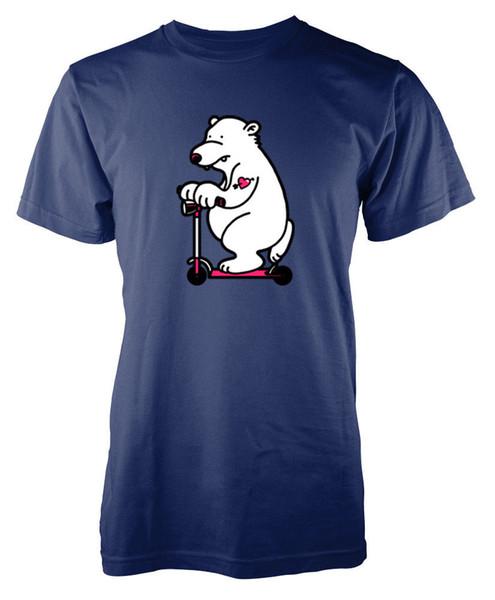 Oso polar en una camiseta para adultos de scooter Camiseta de manga corta Tallas grandes en color Jersey de manga corta Camiseta estampada