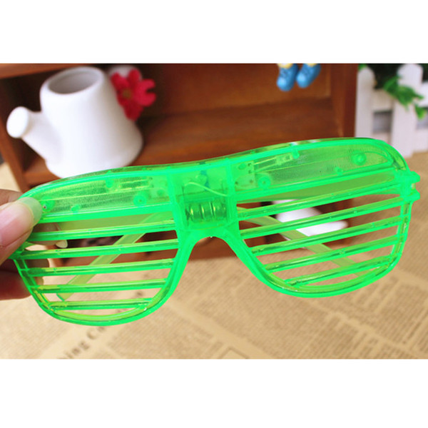1 stück Hot fashion 3 Modus LED Blink Shutter Brille Glowing Blind Brille mit Batterie Party Entertainment Lustige Tricks # 1015