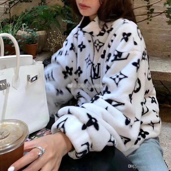 best selling Qiu dong coat female Korea edition loose student plush coat coral fleece body printing men and women the same style lovers coat