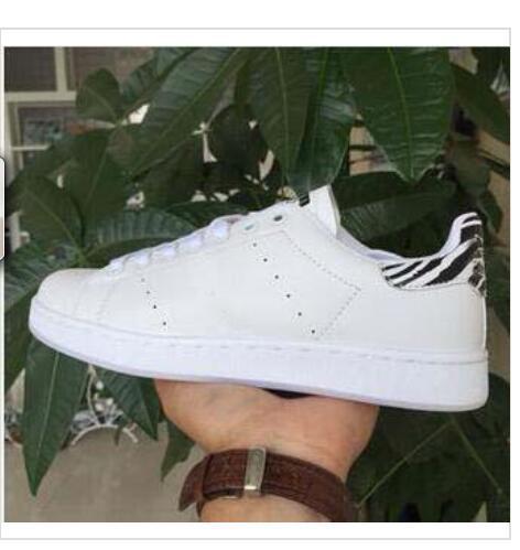 Sıcak Süperstar Beyaz Hologram Yanardöner Superstars Kadın Düz Ayakkabı Sneakers Süper Yıldız Kadın Erkek Ayakkabı 36-44 NOEL hediye