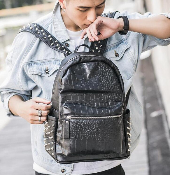 Factory direct brand men bag personality rivet punk backpack crocodile pattern fashion student bag street fashion crocodile pattern rivet le