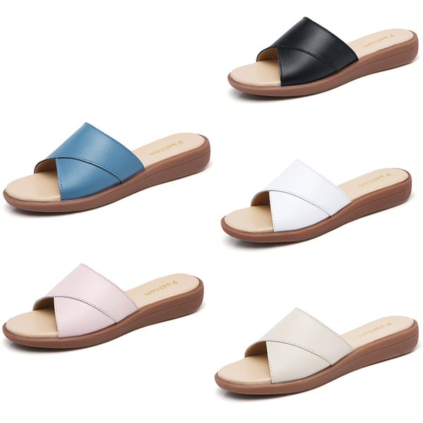 marque chaude femmes Beach Slide Sandals Scuffs Pantoufles Dames blanc noir bleu Beach Fashion slip-on sandales de designer de luxe Flip Flops