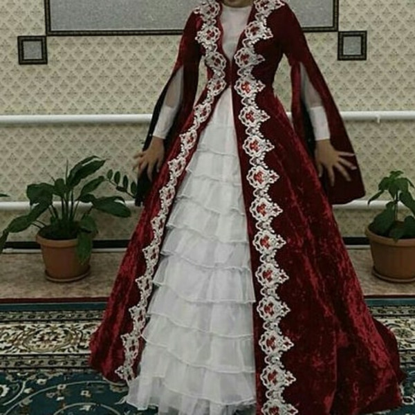 Modest Muslim Embroidery Evening Formal Dresses Burgundy White Two Pieces Long Sleeves Ruffles Tiers Tulle Skirt Arabic Prom Party Gowns