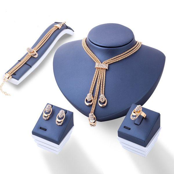 Nueva venta al por mayor de Europa y América moda exagerada cristal joyas novia collar pendientes de cuatro piezas traje venta caliente