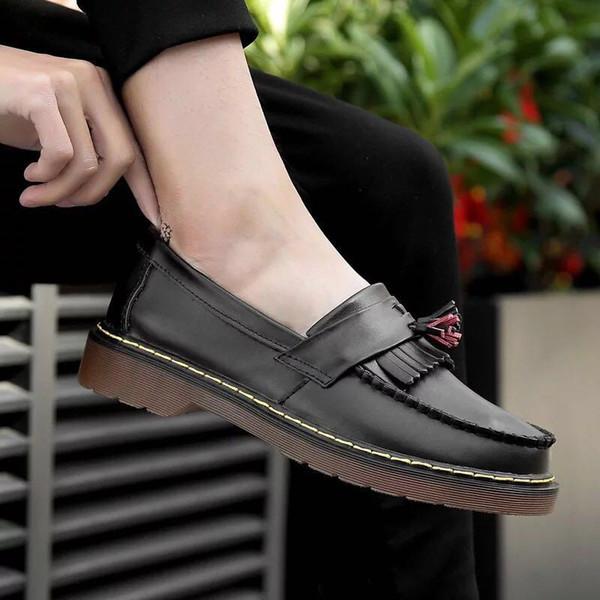 DR Martenns 2019 nouvelles bottes Martin bas pour aider le cuir pompon Cuir Martin Bottes Femme Baskets Randonnée Chaussures de sport Femme