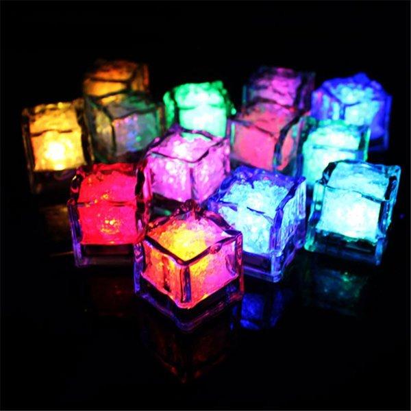 12 Piezas llevadas sin llama de la vela sin llama sumergible Luz cambiante del color del cubo de hielo resplandor LED para la fiesta