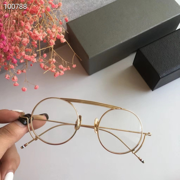 Oro con lente transparente